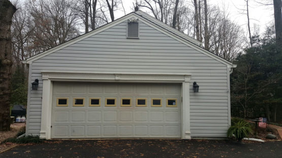garage-door-installation-fairfax-va-view-outside-old-garage-door-before-new-installation-01